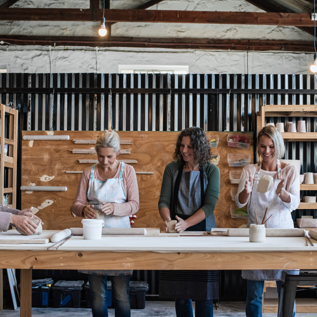 Umhlaba Pottry Studio | Home About Us